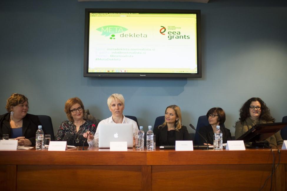 "On December 8, Brynhildur Heiðar- og Ómarsdóttir and Þórunn Sveinbjarnardóttir met with Slovenian academics and politicians and participated in a panel discussing women in politics. A video recording of the panel is now online. Enjoy! [youtube height=""HEIGHT"" width=""WIDTH""]http://youtu.be/KulBnChBu4Y[/youtube]"