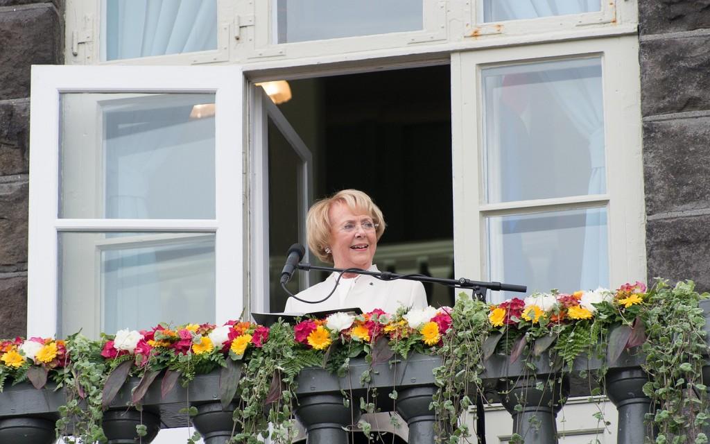 Vigdís Finnbogadóttir ávarpar þjóðina í tilefni af 100 ára afmæli kosningaréttar kvenna þann 19. júní 2015.